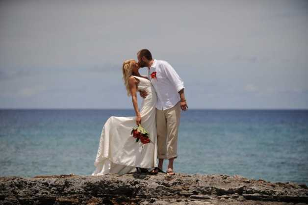 Michaela & Jason At Grand Old House, Grand Cayman Image - 5