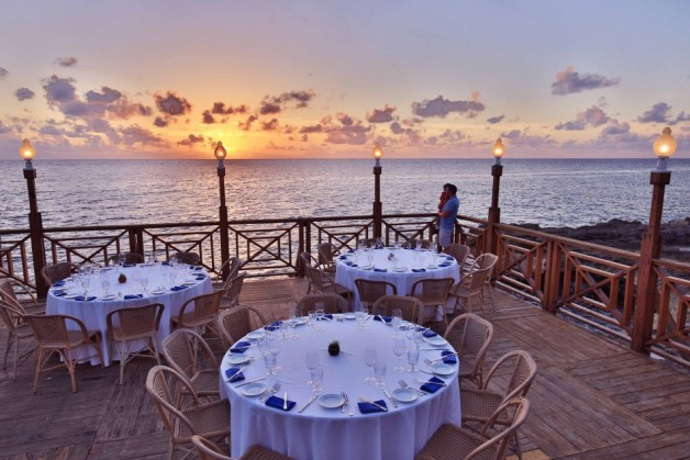 To be put in the corner is a rightful endeavor. You are surrounded by water, panoramic view of the sunset on the horizon of the Caribbean sea, privacy due to no trespassing of other guests, private satellite bar (upon request), inquire for your customized