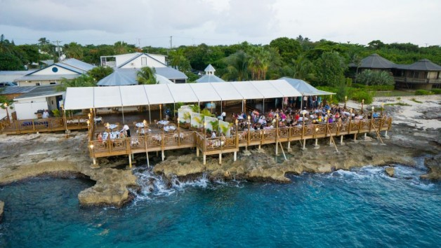 The gigantic Oceanfront Deck seats up to 500 people and connects to the original Plantation House which is in phenomenal and original condition and divided into 5 private dining rooms, which offer air conditioning, colonial atmosphere and privacy. Ideal f