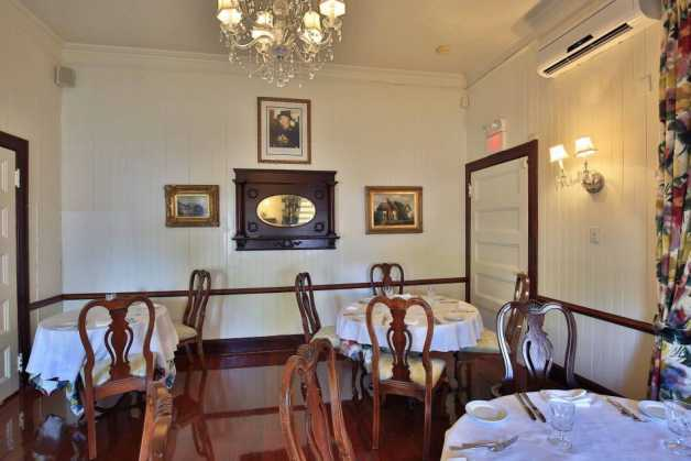 English Room Image 2 - Grand Old House