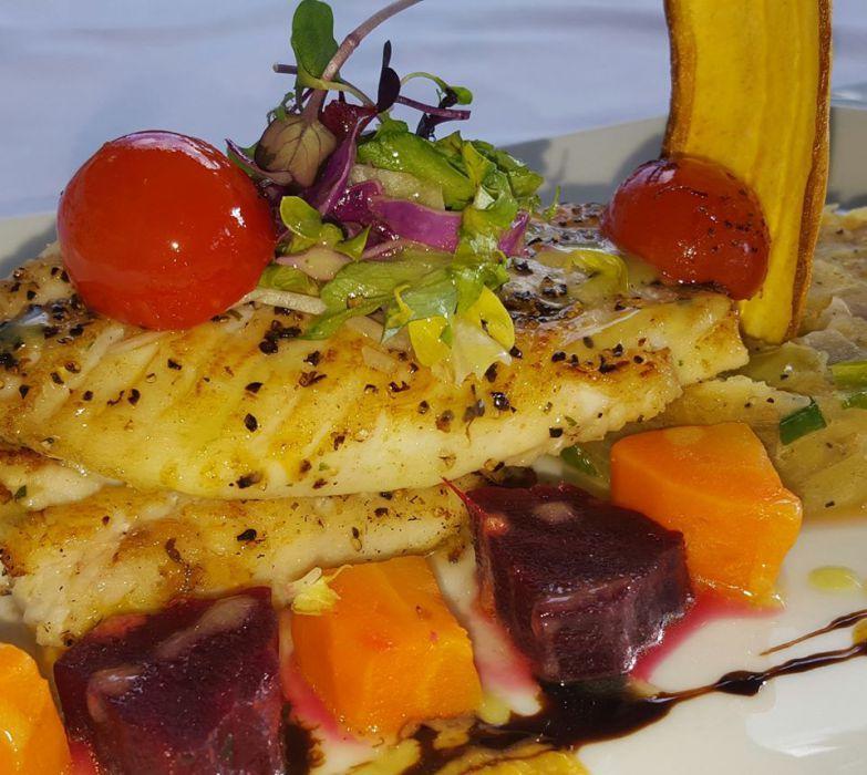 Cayman Islands Waterfront Restaurant - Image 10