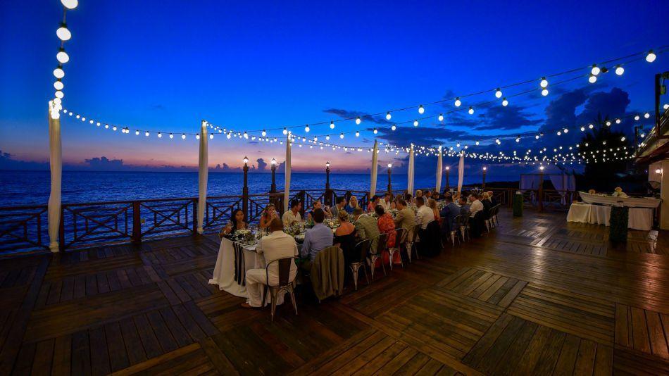Cayman Islands Waterfront Restaurant - Image 11