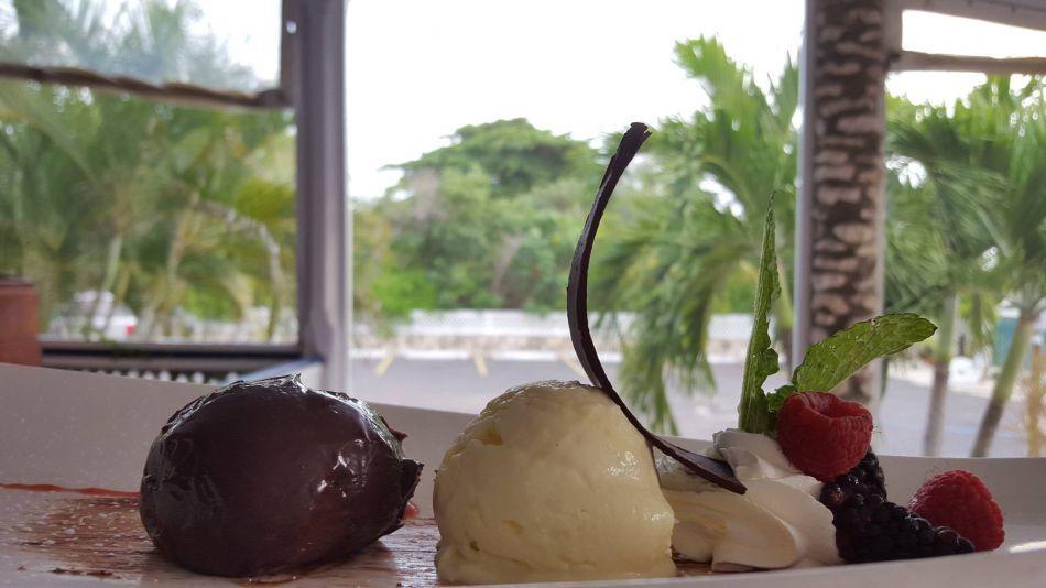 Cayman Islands Waterfront Restaurant - Image 5